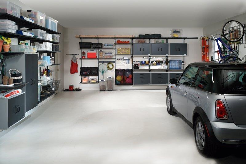 Полки для различных предметов в гараже